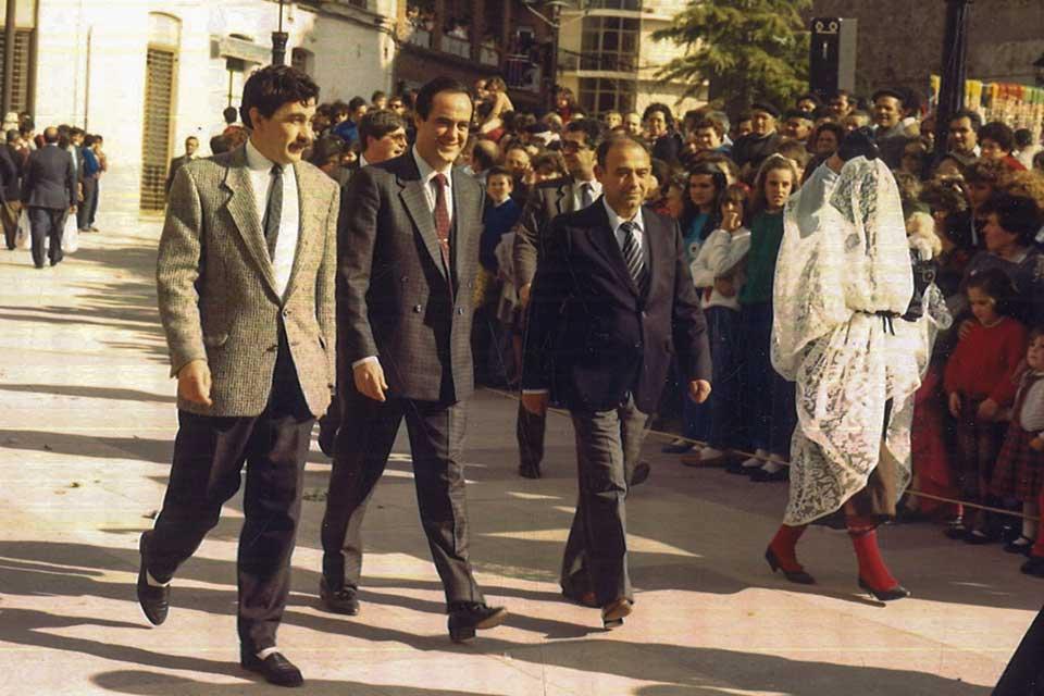 José Bono en el carnaval de Herencia de 1987