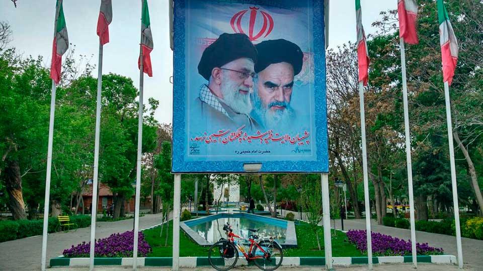 Perle-a-llegado-a-Teheran-(3)