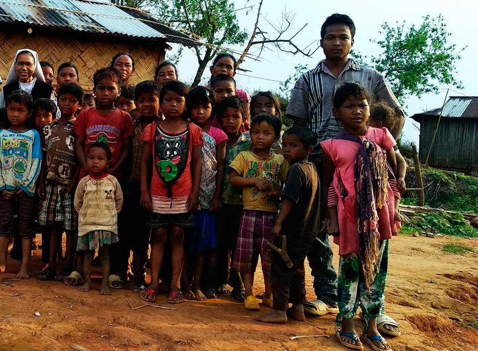 Perle-y-sus-peripecias-hasta-llegar-a-Bangla-Desh-(60)
